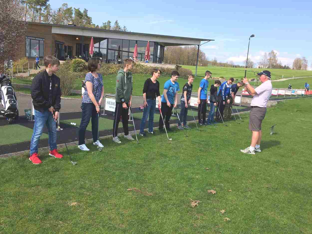 Golf Erlebnistag am 14.04.2018 im Golfclub Praforst mit der Handball Jugend