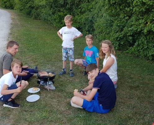Golfclub Praforst Sommercamp 2018 leckeres gemeinsames Grillen